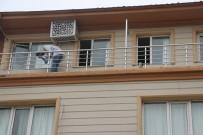 Otel Müşterisi Kendini 3'Üncü Kattan Attı, O Anlar Güvenlik Kamerasına Yansıdı