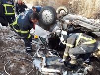 Otomobiller Kafa Kafaya Çarpıştı Açıklaması 2 Ölü, 2 Yaralı