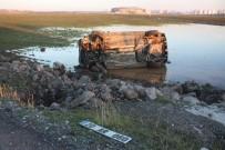 DİYARBAKIR - Cenaze Yolunda Trafik Kazası Açıklaması 3 Yaralı