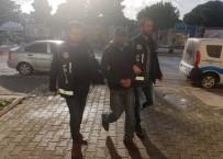 SIGARA - Çeşme'de Uyuşturucu Satıcısı Tutuklandı