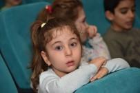 ÖĞRENCİLER - Çocuk Sinema Günleri Başladı