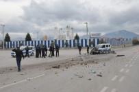 Denizli'de Polis Aracı İle Çöp Kamyonu Çarpıştı Açıklaması 2 Polis Yaralı