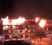 İTFAİYE ERİ - Kayak Merkezinde Yangın Açıklaması 2 Ölü, 18 Yaralı