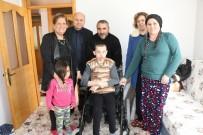 TEKERLEKLİ SANDALYE - Manisa'da 5 Aileye Akülü Araba Desteği