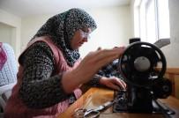 FOLKLOR - Dağ Yöresindeki Kadınlar Diktikleri Kıyafetlerle Geleneklerini Yaşatıyor