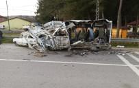 Yolcu Otobüsü Minibüse Çarptı Açıklaması 1 Ölü, 1 Yaralı
