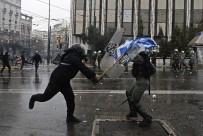 POLİS - Yunanistan'daki Protestolarda 2 Türk Gözaltına Alındı İddiası