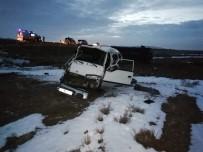 Aksaray'da Minibüsler Çarpıştı Açıklaması 21 Yaralı