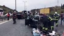 ACIL SERVIS - Anadolu Otoyolu'da Zincirleme Trafik Kazası