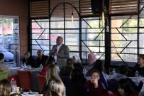 Başkan Tollu, Türkülerin Dansı Topluluğu İle Bir Araya Geldi