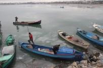 KIŞ MEVSİMİ - Beyşehir Gölü'nde Buzlar Arasında Avlanma Mesaisi