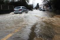 BITEZ - Bodrum'da Duvarlar Çöktü, Evleri Su Bastı