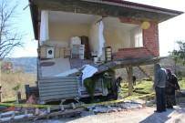 Kamyon Eve Çarptı, Mutfak Çöktü Açıklaması 2 Yaralı