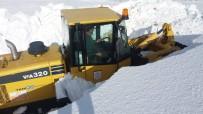 Kar Kalınlığı İş Makinelerin Boyunu Aştı