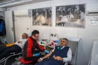 Kaymakam Yavuz Ve Başkan Şahin Kan Bağışında Bulundu