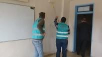Kırıkhan'da Yükümlüler Okul Boyadı
