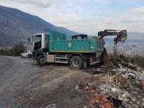 KARAALI - Kırkağaç'ta Kaçak Dökülen Hafriyat Temizlendi