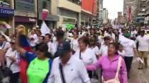 BOMBALI ARAÇ - Kolombiya'da 'Teröre Karşı Birlik' Yürüyüşü