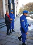 GÜZELÇAMLı - Kuşadası'nda 8 Kaçak Göçmen Yakalandı