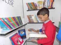 GÖLGE OYUNU - Ortaokul Öğrencileri Köy Okuluna 2 Bin Kitaplık Kütüphane Kazandırdı
