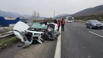 TEM Otoyolunda 4 Araç Birbirine Girdi Açıklaması 1 Ölü, 1 Ağır Yaralı