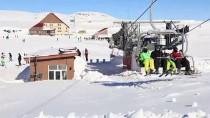 KUŞ BAKıŞı - Yarıyıl Tatilinde Doğunun Gözde Kayak Merkezi Hesarek