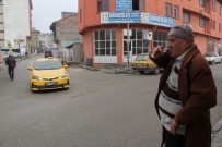 ALLAH - Çocukluk Hayali Gerçek Olmayınca Gönüllü Trafik Polisi Oldu