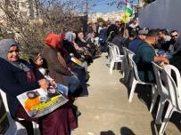 Filistinliler İsrail Hapishanesindeki Tutuklular İçin Protesto Düzenledi
