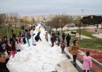 Kar Kamyonlarla Şehre Geldi