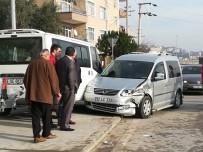 Kaza Yapan İki Araç Yayaların Arasında Daldı Açıklaması 3 Yaralı