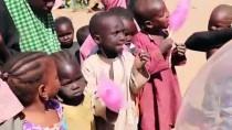 PAMUK ŞEKER - Pamuk Şeker Dağıtan Gönüllüler Yaşadıklarını Anlattı