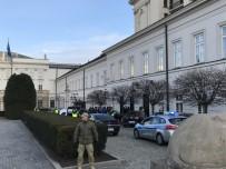 Polonya'da Bir Araç Cumhurbaşkanlığı Sarayı'na Girmeye Çalıştı