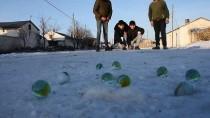 Yarı Yıl Tatilinde Kar Üstünde Misket Keyfi
