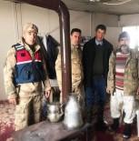 Yaylada Mahsur Kalan Dayı Yeğen Jandarma Tarafından Kurtarıldı