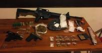 GÜVEN TİMLERİ - Güvercin Kümesinden Uyuşturucu Ve Silahlar Çıktı