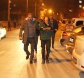 HIRSIZLIK BÜRO AMİRLİĞİ - Kamyonet Çalan Şüpheliler Polis Baskınında Çekyatta Saklanırken Yakalandı