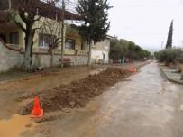 GEYRE - Kanalizasyon Kazısı Sırasından Binlerce Yıllık Tarih Ortaya Çıktı