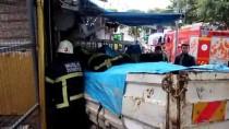 GÜMBET - Muğla'da Freni Boşalan Kamyonet İş Yerine Çarptı