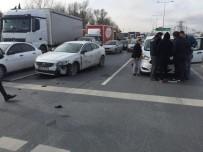 TIR ŞOFÖRÜ - (Özel) Sultangazi'de Kaza Üstüne Kaza Açıklaması Kilometrelerce Araç Kuyruğu Oluştu