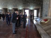 ÜLKÜ OCAKLARı - Ülkü Ocakları'ndan Anıtkabir'e Ziyaret