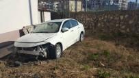 Virajı Alamayan Otomobil, Evin Bahçesine Uçtu