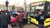 Bursa'da Otomobille Halk Otobüsü Çarpıştı Açıklaması 1 Yaralı