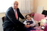 HARUN SARıFAKıOĞULLARı - Engelli Genç Kızın Yeni Kimlik Kartı Sevinci