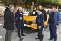 TAKSİ DURAĞI - Vali Demirtaş, Taksi Durağı Esnafını Ziyaret Etti