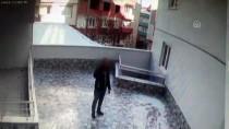 Apartmanlardan Diyafon Hırsızlığı Kamerada