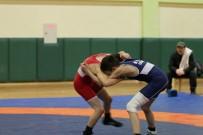 Kağıtsporlu Minik Güreşçiler Turnuvada Buluştu