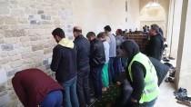 AFRİN - Kilis'te Terör Saldırısında Zarar Gören Tarihi Cami İbadete Açıldı