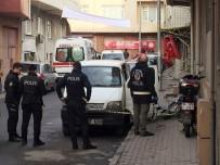 METİN ÖZKAN - Minibüste Yaşayan Adam Isınmak İçin Yaktığı Tüpten Zehirlenerek Hayatını Kaybetti