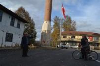 YENI CAMI - Camisiz Minareyi Görenler Şaşırıyor