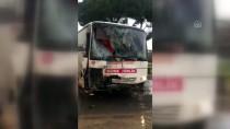 VERGİ DAİRESİ - Aydın'da İki Minibüs Çarpıştı Açıklaması 7 Yaralı